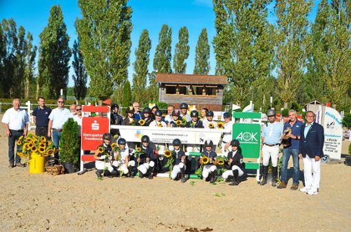 Die Sieger und Platzierten strahlten am Sonntag mit der Sonne um die Wette.  Foto: Schwark Foto: Schwarzwälder Bote