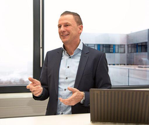 Jörg Hoffmann ist Chef von PMDM im Gewerbegebiet Herdenen in VS.  Foto: PMDM Foto: Schwarzwälder Bote