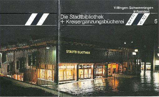 Die Stadtbibliothek im hellen Glanz: Damals gab es zur Muslenplatzseite hin noch einen Bäcker und ein Stehcafé. Foto: Stadtarchiv