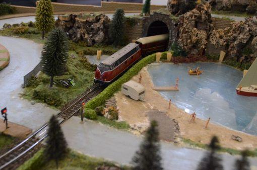 Auch nach 30 Jahren noch faszinierend: Die Modelleisenbahn. Foto: Schwark