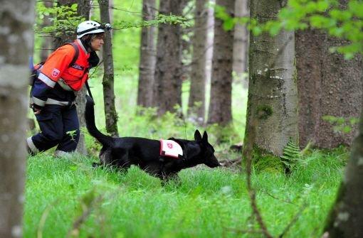 Der Hund erschnüffelte die Vermisste. Symbolbild.  Foto: dpa