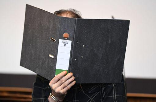 Der gelernte Maurer aus dem Kanton St. Gallen hat zugegeben, den in Staufen bei Freiburg lebenden und heute neun Jahre alten Jungen dreimal vergewaltigt und dafür Geld gezahlt zu haben. Foto: dpa