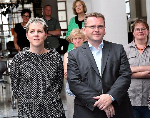 Zahlreiche Horber Politiker informierten sich im MGG über das Ergebnis: Unter anderem (im Vordergrund, von links) Silke Wüstholz (FD/FW), Marianne Hötzel (CDU), der neue Bürgermeister Ralph Zimmermann und Ilse Braitmaier (OGL).  Foto: Hopp Foto: Schwarzwälder-Bote