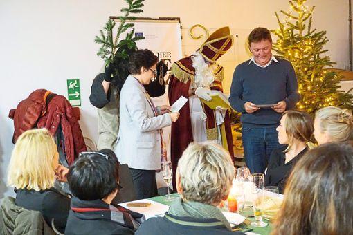 Marion Gentges und Wolfgang Hermann mussten jeweils ein Gedicht vorlesen.  Foto: Reinhard Foto: Schwarzwälder Bote