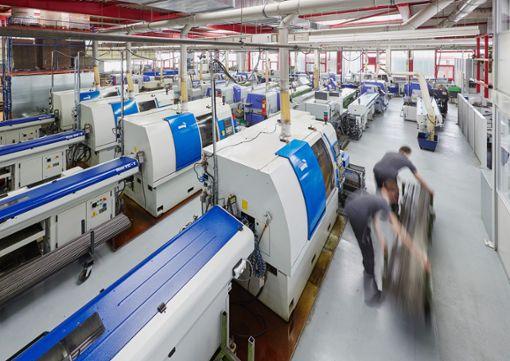 Der Maschinenpark umfasst nicht nur viele verschiedene Maschinentypen, er ist auch stets auf dem aktuellsten Stand der Technik.   Foto: Weiss Foto: Schwarzwälder Bote