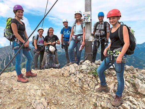 Die Naturfreunde erklimmen bei ihrem Ausflug so manchen Gipfel.  Foto: Naturfreunde Foto: Schwarzwälder Bote