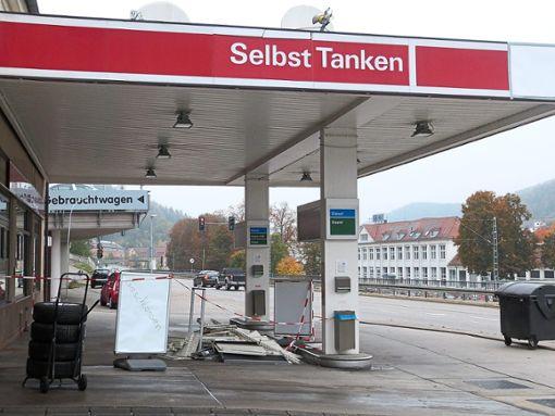 Die Tankstelle beim Autohaus Mutschler ist derzeit geschlossen – sie wird umgebaut.    Foto: Danner