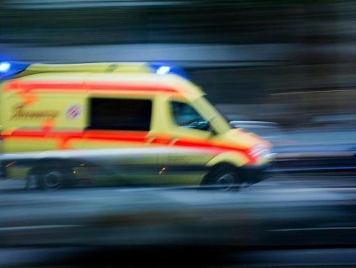 Vier Menschen wurden bei dem Unfall verletzt. (Symbolfoto) Foto: dpa