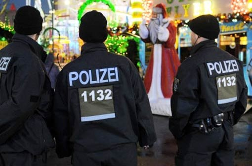 Auf vielen Weihnachtsmärkten in der Region wird die Polizei vermehrt Präsenz zeigen.  Foto: dpa
