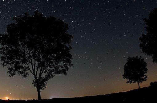 Die Perseiden verzaubern in der Nacht zum Donnerstag wieder die Sterngucker. Foto: dpa
