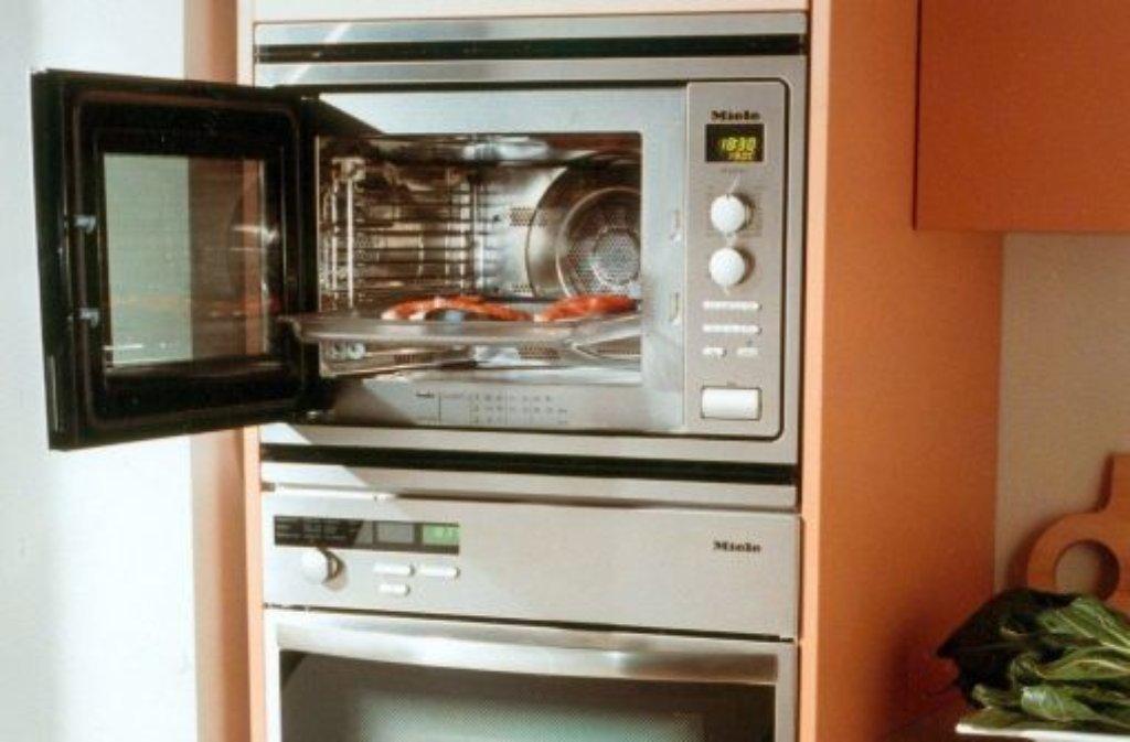 fotostrecke k hlschrank und co so putzt man elektroger te richtig bild 2 von 11. Black Bedroom Furniture Sets. Home Design Ideas