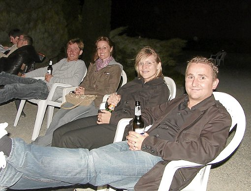 Magier, Vollmond, tolle Stimmung - die Gäste der Sternschnuppennacht auf der Zollerburg waren zufrieden. Auch Marc und Sascha (links) freuten sich.   Foto: Maute Foto: Schwarzwälder-Bote