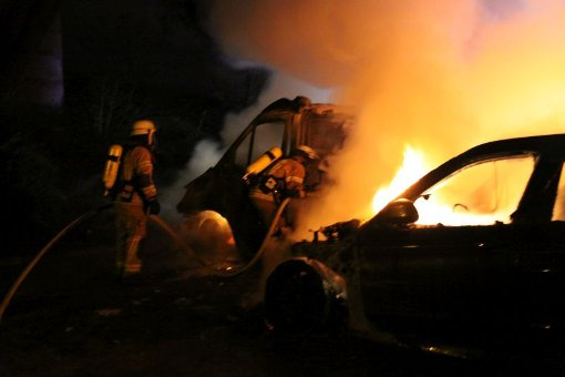 Nach einem Unfall Feuer gefangen hat ein Auto bei Freudenstadt. (Symbolfoto) Foto: kamera24.tv