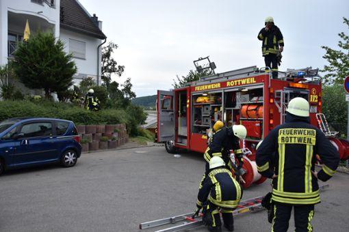 Ein piepsender Rauchmelder hat in Rottweil die Feuerwehr auf den Plan gerufen. Foto: sms