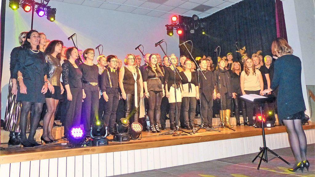 Villingen-Schwenningen: Colours of pop mit zirkusreifer Show - Villingen-Schwenningen - Schwarzwälder Bote