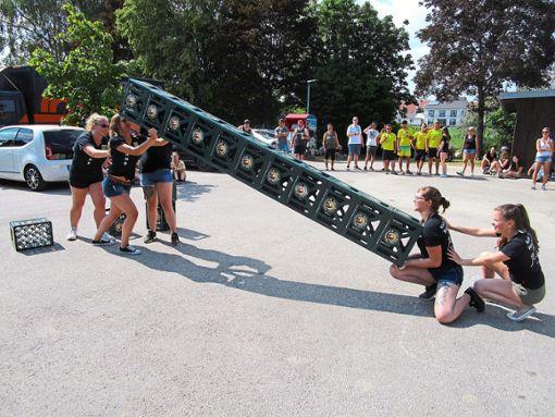 Auch die Damenmannschaften sind bei den Spielen mit Eifer bei der Sache.  Fotos: Jupa Foto: Schwarzwälder Bote