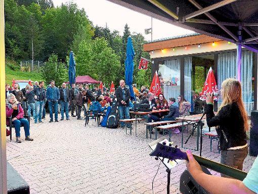 Zum siebten Mal fand  der vom Förderverein veranstaltete Freibad-Rock statt.    Foto: Ziegelbauer Foto: Schwarzwälder-Bote