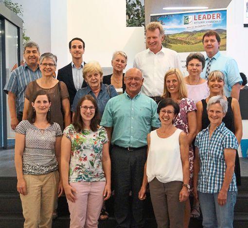 Vorsitzender Hans Peter Heizmann (Mitte)  und der neugewählte Vorstand des Vereins   Foto: Verein Foto: Schwarzwälder Bote