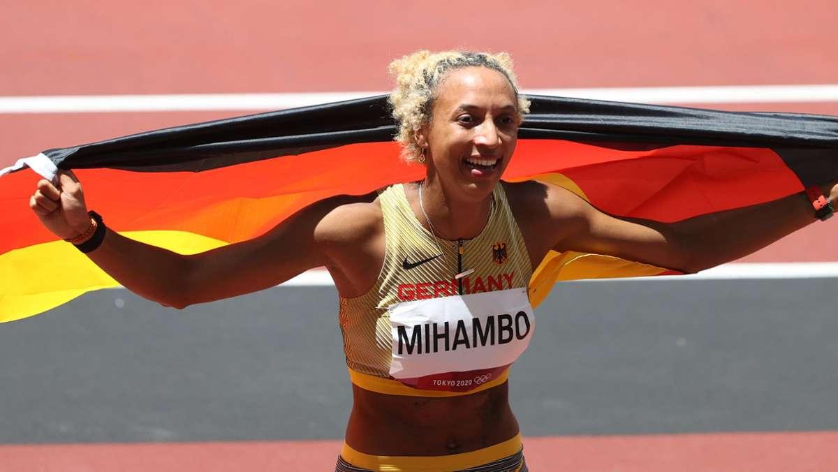 olympia-gold-f-r-malaika-mihambo-ekstase-auf-twitter-auf-deutschen-sandk-sten-ist-heute-die-h-lle-los