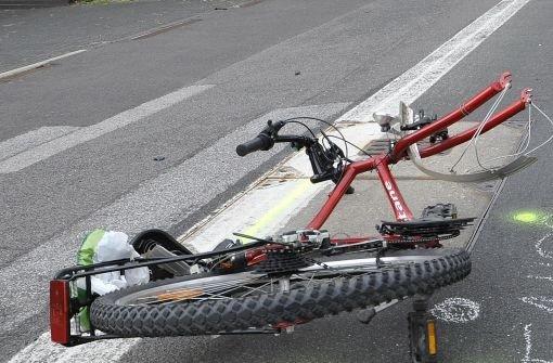 Der Radfahrer wurde bei dem Unfall schwer verletzt. (Symbolfoto) Foto: dpa