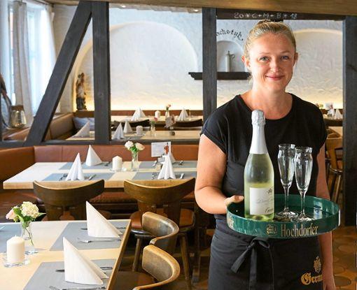 Ursula Bareis nimmt die Zügel im Gasthaus Germania in die Hand.   Foto: Lück