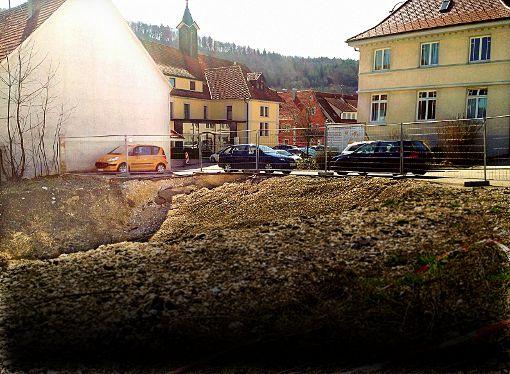 Auf dem Gelände klaffen jetzt hässliche Baugruben. Foto: Rapthel-Kieser