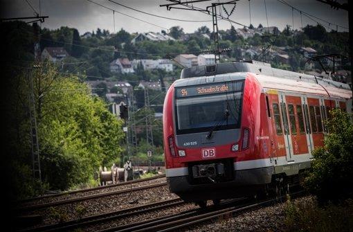 Verspätungen und Ausfälle: Stuttgarter S-Bahn-Reisende mussten am Freitag Nervenstärke beweisen (Symbolbild). Foto: Lichtgut/Achim Zweygarth