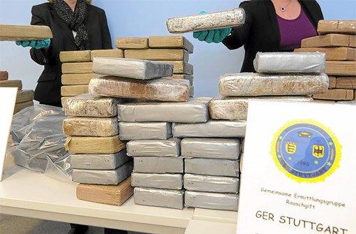 Kokain in rauen Mengen: Die Behörden zeigten im Dezember einen Teil des 130-Kilo-Rauschgiftfunds. Foto: Weißbrod