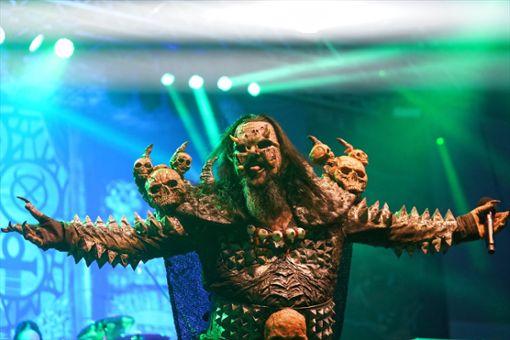 Die Finnen von Lordi ließen beim Bang Your Head-Opening nichts anbrennen. Foto: Frank Engelhardt