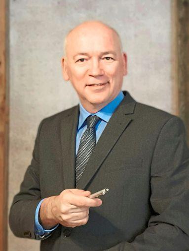 Jürgen Maas leitet im Krefelder Rathaus den Fachbereich Schule, Pädagogischer und Psychologischer Dienst. Nun möchte er in Donaueschingen Bürgermeister werden. Foto: privat