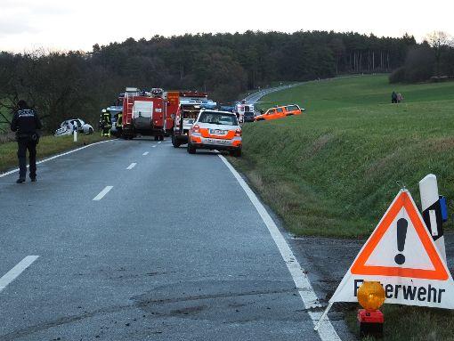 Bei einem Unfall zwischen Calw und Gechingen ist ein Autofahrer lebensgefährlich verletzt worden. Foto: Steffi Stocker