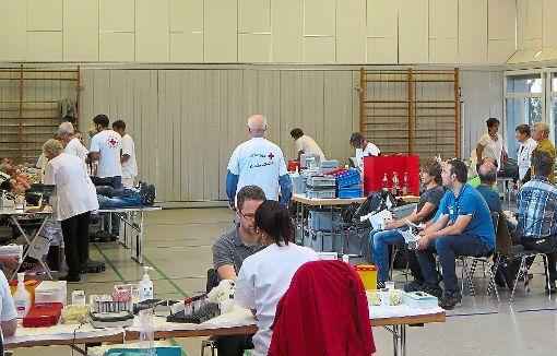 Die Bereitschaft im Kreis Rottweit ist sehr gut: Auch in Schiltach spenden viele Menschen ihr Blut.   Foto: Herzog Foto: Schwarzwälder-Bote
