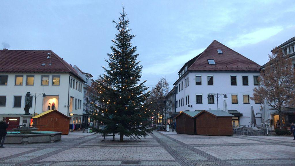 Wer Schmückt Den Weihnachtsbaum.Balingen Weihnachtsbaum Schmückt Marktplatz Balingen