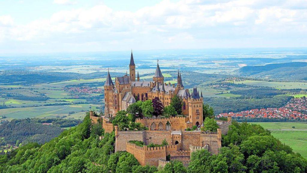 Bisingen Startschuss Fur Sanierung Der Burg Hohenzollern Bisingen Schwarzwalder Bote