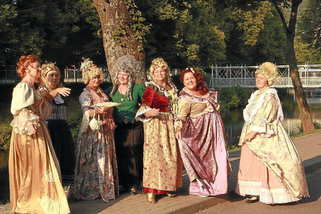 Nagold: Kostümparty steigt an geheimem Ort - Nagold - Schwarzwälder Bote