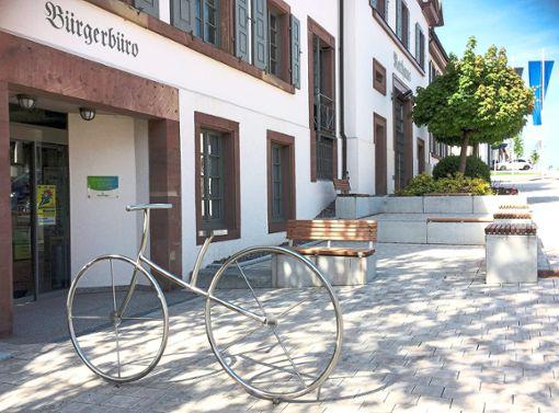 Originell: der Fahrradständer  vor dem Bürgerbüro    Foto: Rudolf Foto: Schwarzwälder Bote