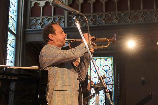 Strahlend: Joo Kraus hat mit seinem Quintett in der Alten Synagoge Miles Davis seinen Tribut gezollt und damit einen Glanzpunkt gesetzt   Fotos: Stopper Foto: Schwarzwälder Bote