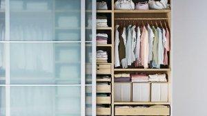 was soll im kleiderschrank h ngen und was besser nicht stn redakteurin andrea jenewein hat sich. Black Bedroom Furniture Sets. Home Design Ideas