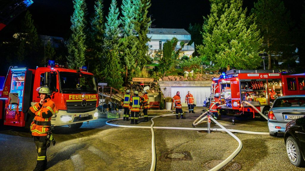 Wildberg: Feuerwehr kann bei Brand Schlimmeres verhindern - Wildberg - Schwarzwälder Bote