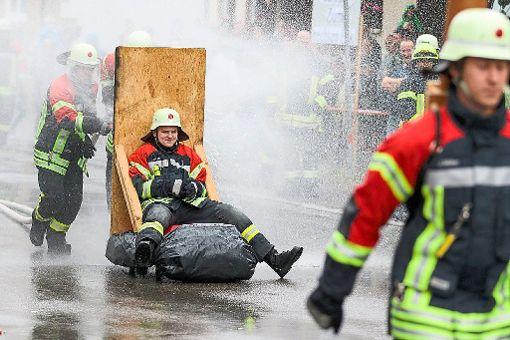 Das Spritzerfestival verspricht jede Menge Gaudi – sowohl für die Feuerwehrleute wie auch für die Zuschauer.   Foto: Archiv Foto: Schwarzwälder-Bote