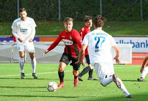Das Hinspiel gegen Walldorf II gewannen die Kicker der TSG Balingen mit 5:0. Ganz so einfach stellen sie sich das Rückspiel nicht vor, nehmen aber dennoch einen Dreier ins Visier.   Foto: Kara