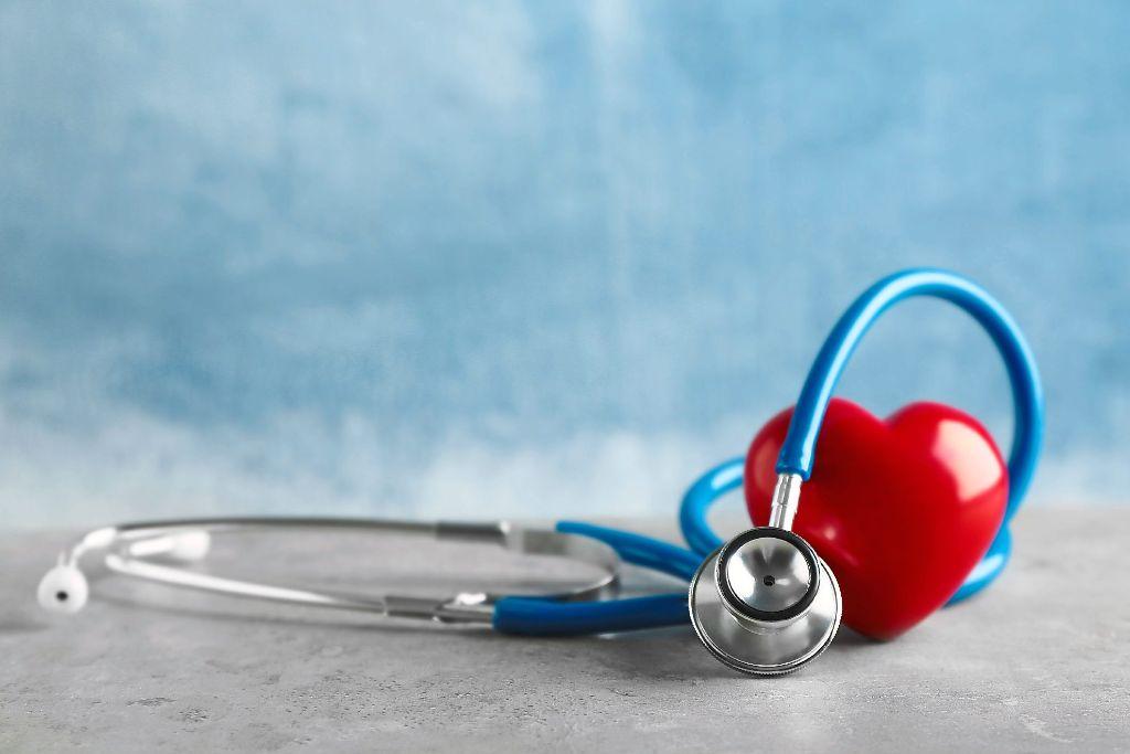 Viele Menschen sind von Herzkrankheiten betroffen. Bei einer Veranstaltung im Landratsamt gibt es Informationen zum Thema