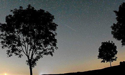 Der Meteorschwarm der Perseiden war in der Nacht zu Sonntag bei klarem Himmel gut zu sehen. Foto: Berg