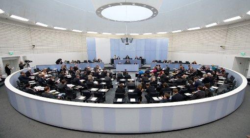 Nicht nur der neue Landtag ist fertig, auch das grün-schwarze Kabinett steht. Foto: dpa