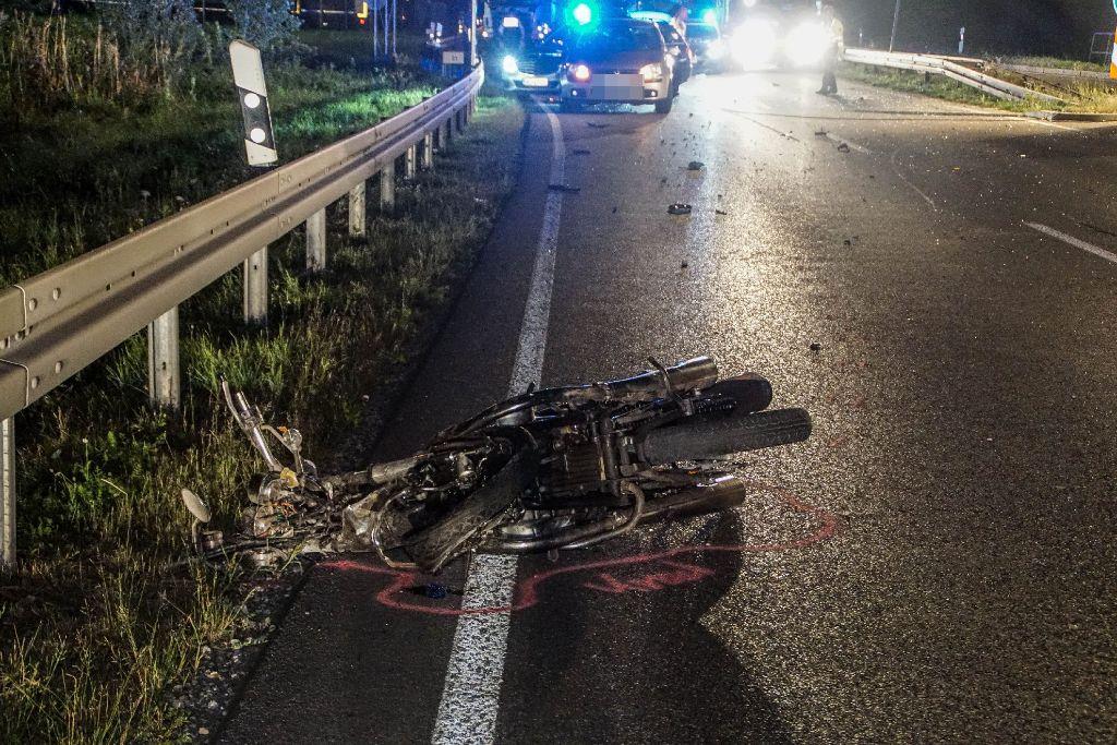 Motorradfahrer stirbt bei Unfall auf der B 463