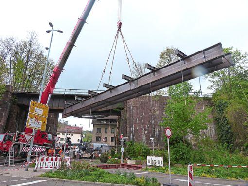Das Stahlkonstrukt, das zur Sicherung dient, wird überprüft.  Archiv-Foto: Fuchs Foto: Schwarzwälder Bote