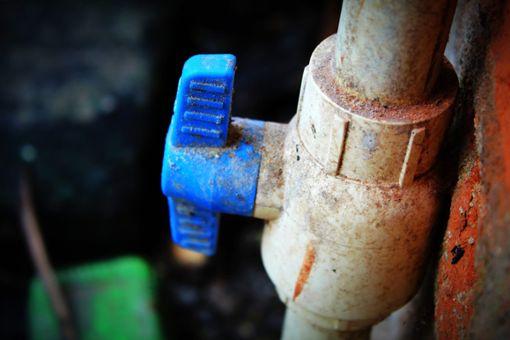 Marode Wasserleitungen sind ein Burladinger Problem. Lösungsvorschläge gibt es einige.   Foto: Biswa Foto: Schwarzwälder Bote