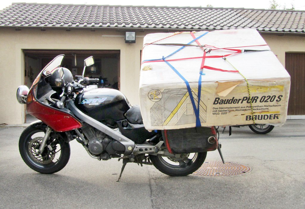 balingen schwertransport auf motorrad gestoppt balingen. Black Bedroom Furniture Sets. Home Design Ideas