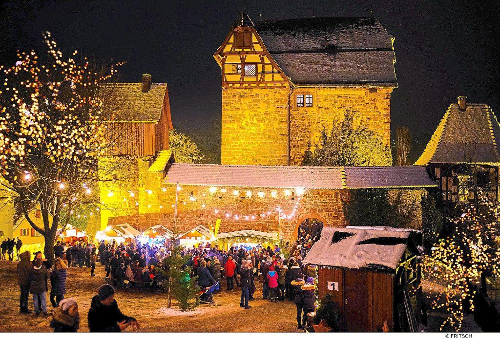 Bilder Weihnachtsmarkt.Altensteig Württ Schöne Kulisse Beim Weihnachtsmarkt