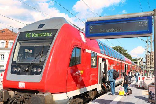 Die Schwarzwaldbahn hält wenige Minuten in Donaueschingen und fährt weiter nach Immendingen. Vom 30. August bis zum 8. September fallen wegen Arbeiten an der Bahnstrecke sämtliche Zugverbindungen in diesem Abschnitt aus Foto: Wursthorn